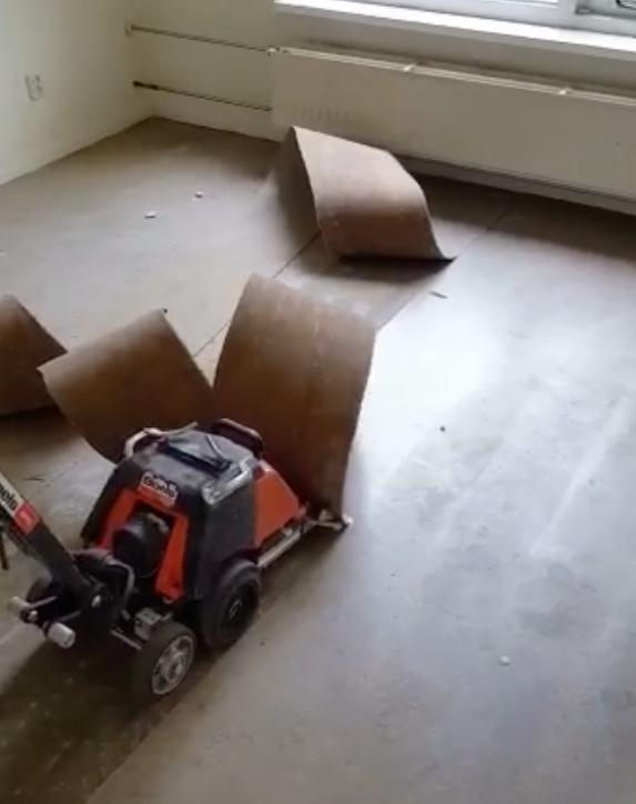 Vloerverwijdering door Woningontruiming Mobo